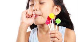 孩童愛吃鮮豔糖果 人工色素多易過動