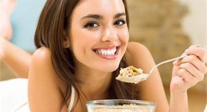 早餐吃燕麥 降低膽固醇保護心臟