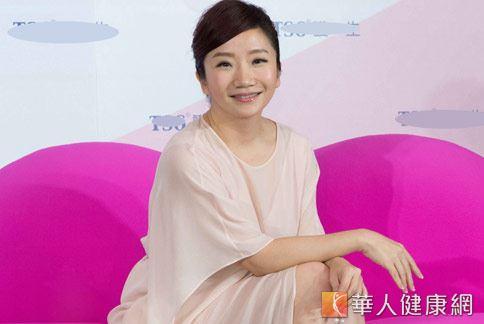 女藝人陶晶瑩(如圖)以過來人身分,呼籲女性平日應做好私密處清潔保養。(圖片提供/天賜爾生物科技)