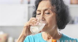 莫名牙齦出血血尿 小心急性骨髓白血病
