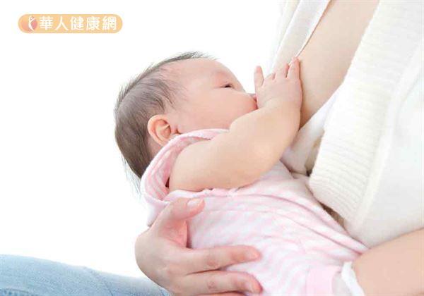 """网络上甚至更传出:""""哺育母乳时,最好能事先清洁乳头,才不会害宝贝们不慎遭受病菌感染。""""的说法, 真有这一回事吗?"""