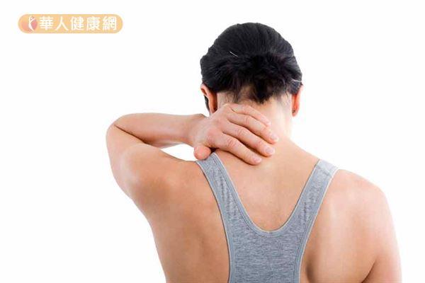 肩頸關節疼痛,初期可注射玻尿酸緩解疼痛。