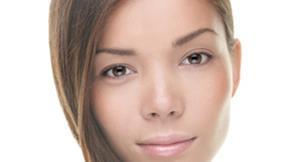 女子濫用偏方雙眼更腫 3D無痕眼皮改造