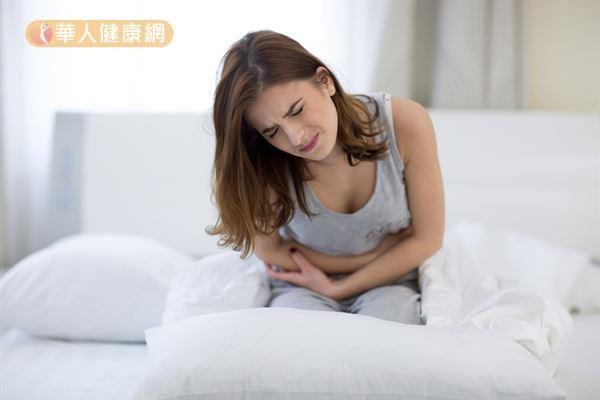 阴虚火旺体质容易出现 手脚冰冷、经痛、腰酸、分泌物多、妇科容易发炎等症状。