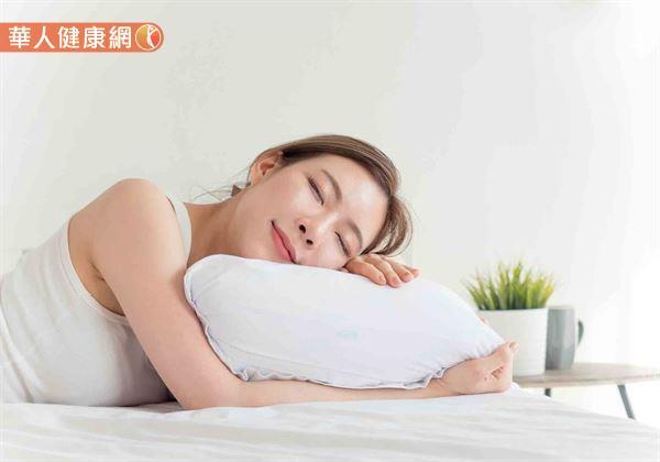 午睡時間盡量不要超過30分鐘,且下午3點後不要睡覺,都是有助夜晚更好入睡、不再陷入數羊窘境的好方法。