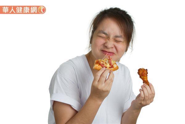 每次大姨媽來,就彷彿開啟體內大食怪的開關,總是讓你食慾大增、吃個不停?