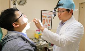 「隕石級」扁桃腺結石卡氣管險致命 男驚呼:要認真做好口腔清潔