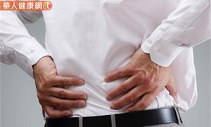 腰痛、血尿 ?小心結石作怪!泌尿科醫師帶你破解復發危機