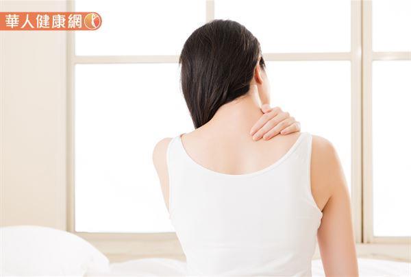 长期上背痛、血糖突然控制不良,小心可能是胰脏癌前兆!