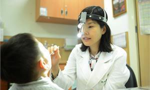 孩子常打鼾、鼻塞誤當鼻過敏 微創摘除腺樣體肥大,鼻子終於通了