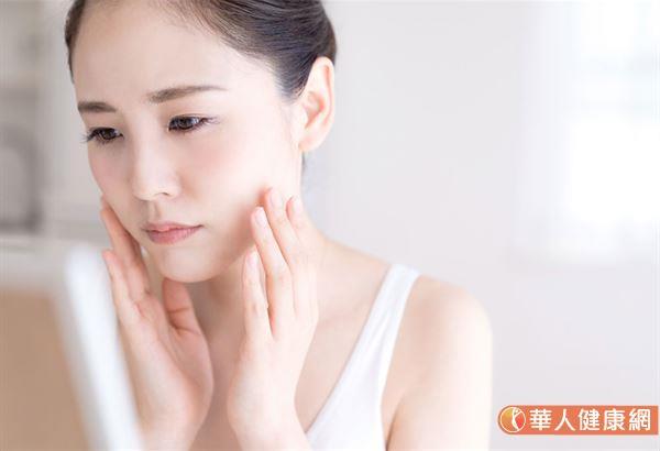 异位性皮肤炎必须具备2大条件才会发生:会过敏与皮肤屏障脆弱。