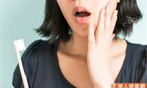 有牙周病就不會蛀牙?牙周病會提高心血管疾病、 失智症風險