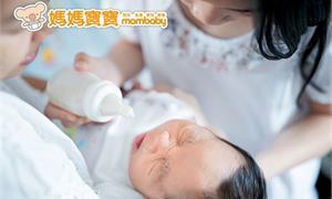 寶寶為什麼一直哭鬧?哭了要立刻抱嗎?醫師來解答