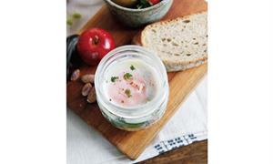 好身材從自煮瘦身餐開始!DIY起司菠菜蝦蒸蛋杯,兼顧視覺與味覺