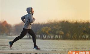 減少運動性猝死發生率!注意胸悶、氣促「心臟4大核心症狀」警訊