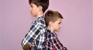 如何讓親子手足關係圓滿?別把父母親的慈悲變溺愛,這樣做聰明教育孩子