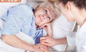 照護其實是為了要笑著道別 這樣做抒解情緒、不勉強自己才是最好的長照