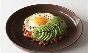 減肥不用只吃雞胸肉和地瓜 來做低鹽泡菜炒飯便當,色香味俱全健身也可以吃