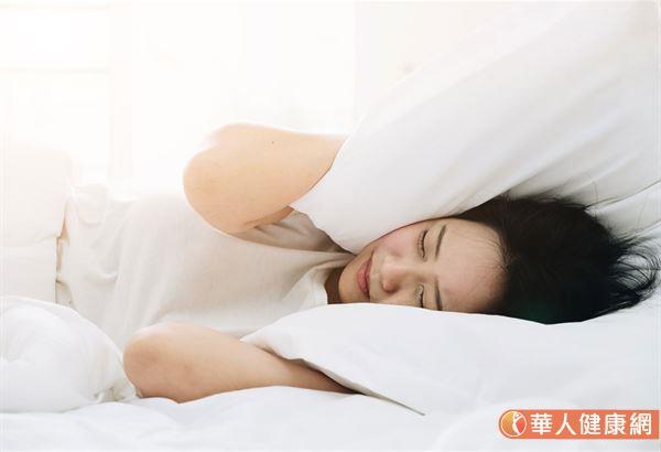 体内湿气排不掉,总是睡不好闹失眠,此外,容易水肿、腹泻、小便不利等症状,都与湿气聚积息息相关!