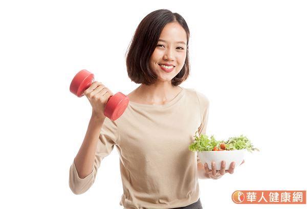 營養師揭露5大瘦身燃脂好食材,包括黑咖啡、無糖綠茶等,讓你越吃越瘦!