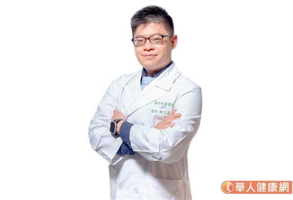 國泰醫院神經內科主治醫師陳又嘉。