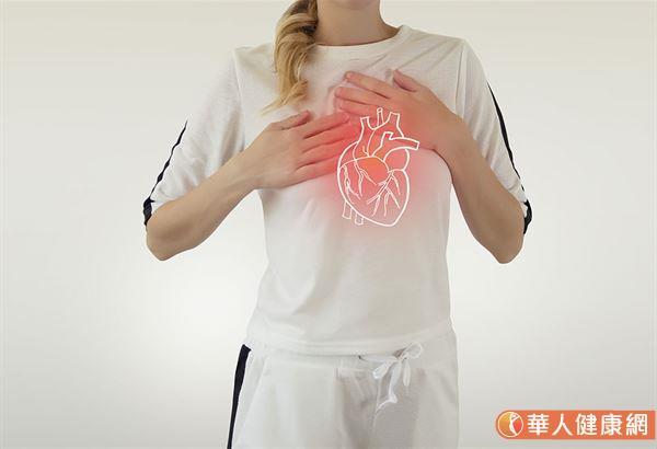還有要注意睡眠不夠,也容易併發心臟相關疾病,但是,是先有心臟疾病才影響睡眠,或是失眠影響心臟疾病,或是互為影響,都必需再詳細評估考量。