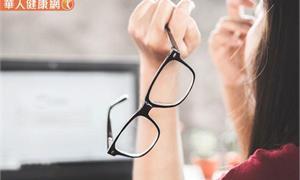 吃葉黃素護眼?補充越多越好?小心害皮膚變黃!藥師揭5個常見錯誤觀念