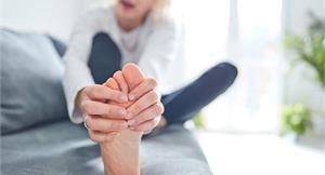 關節喀喀作響僵硬又疼痛?試試後彎伸展訓練,助老廢組織流動,擺脫疼痛