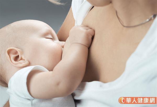母奶看起來稀稀水水的,就是不營養?媽媽感冒時就不可以餵母奶?哺乳前必需特清潔乳房?有關這一些母乳的迷思有很多。