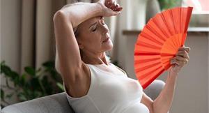 停經前後身體發燙、心悸又失眠?恐為更年期障礙!中醫療法、補充豆漿助緩解