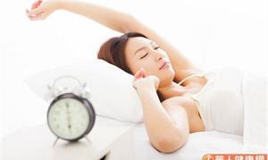 研究:改變睡眠時型,提早一小時上床睡覺,可降低罹患憂鬱症風險