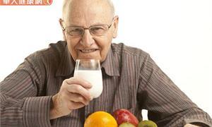 銀髮族咀嚼吞嚥障礙,越吃越少?日本研究:老人厭食症增加40%失能風險