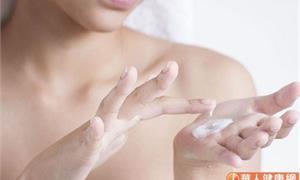 換季皮膚乾癢就拚命抓、自行擦藥?醫籲:遠離3大不當行為,避免敏感危「肌」