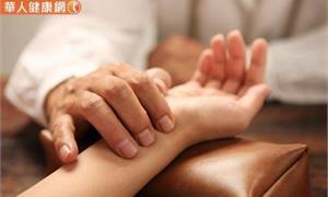 【影音版】生理期腰酸背痛,小心肝腎出問題。杜仲桑葚茶緩解